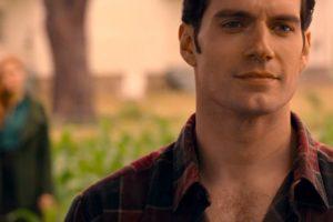 justice-league-clark-kent-superman-henry-cavill-mustache